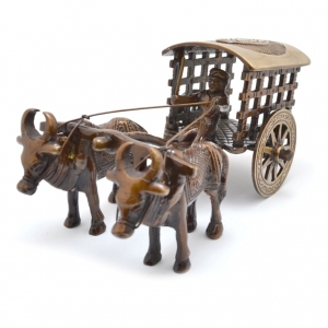 Aakrati Decorative Bull Cart Unique for Decoration Brown Look - Indian Handmade Metal Craft Gift - Home & Office Decoration - Hotel Decor - Antique Collection -