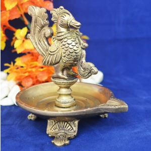 Beautiful Bird Oil Lamp made of Brass with perfect finish and carvings for Home Décor