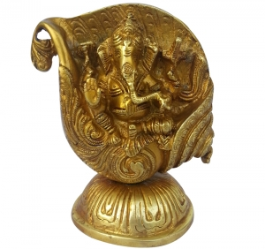 Hindu diety Lord Ganesha statue made of brass metal