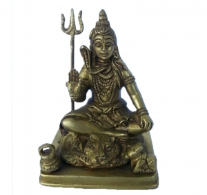 Handicraft figurine of lord Shiva temple statue